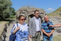 KAYSERİ ŞEKER FABRİKASI - Büyükşehir Belediyesi'nin De Destek Verdiği Keykubadiye Sarayı Kazı Çalışmaları Sürüyor