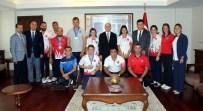 İŞİTME ENGELLİLER - Dereceye Giren Özel Sporcular Ödüllendirildi