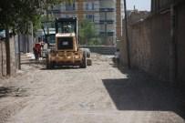 İŞ MAKİNASI - İdil'de Yol Çalışmaları Sürüyor
