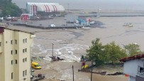 SEL AFETI - Bartın'ı sel vurdu! araçlar denize sürüklendi