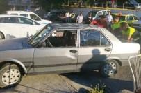 OTOBÜS TERMİNALİ - Otobüs İle Otomobilin Arasına Sıkışan Sürücü Yaralandı