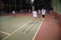 SOLMAZ - Yunusemre'de Genç Raketler Yetişiyor