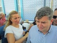 TUNCAY ÖZKAN - CHP Çeşme İlçe Başkanı Ekrem Oran'ın Baba Acısı