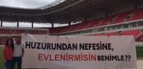 EVLİLİK TEKLİFİ - Eskişehirspor'un Yeni Stadyumunda İlk Evlilik Teklifi Yapıldı