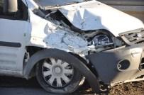 PARA NAKİL ARACI - Banka Aracı Kaza Yaptı Açıklaması 1 Yaralı