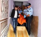 CEBRAIL - Mahalleyi Kötü Koku Sarınca Ceset Ortaya Çıktı