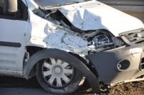 PARA NAKİL ARACI - Para Nakil Aracı Kaza Yaptı