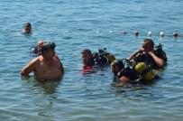 ABDULLAH BAKIR - Dalgıçlar Plajı Temizledi