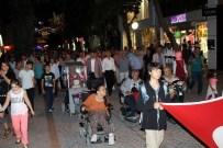 OĞUZ GÜNDOĞDU - Depremin 17. Yıldönümünde Sessizce Yürüdüler