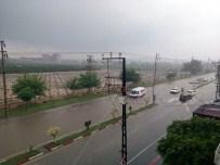 MAHSUR KALDI - Hatay'da Sağanak Yağış Hayatı Olumsuz Etkiledi