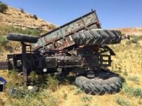 MEHMET ÇETIN - Adıyaman'da Traktör Kazasında 5 Kişi Yaralandı