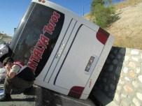 Afyonkarahisar'da Otobüs Kazası Açıklaması 9 Yaralı