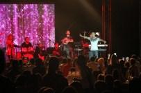 EBRU POLAT - Serdar Ortaç, İskenderun'da Açık Hava Konserinde Sahne Aldı