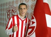 MILAN - Antalyaspor'a Sırp Kanat Oyuncusu