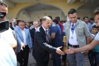 GAZİANTEP HAVALİMANI - Bakan Özhaseki, Cuma Namazını Şehitler Cami'de Kıldı
