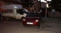 KADIR ÖZDEMIR - Başkent'te Otomobille Kamyonet Çarpıştı Açıklaması 6 Kişi Yaralandı