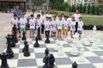 STRATEJİ OYUNU - Büyükşehir Belediyesinden 480 Kursiyere Satranç Eğitimi