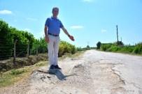 MEHMET AKıN - Yüreğir Çiftçisi, Köstebek Yuvasına Dönen Yollardan Dertli