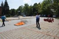 SÖNDÜRME TÜPÜ - Anadolu Üniversitesi Eğitim Fakültesi'nde Yangın Tatbikatı Yapıldı