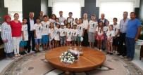 POPÜLER KÜLTÜR - Ataevler Spor Kulübü Yüzme Takımı'ndan Bozbey'e Ziyaret