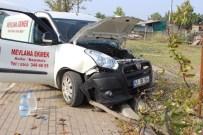 LÜKS OTOMOBİL - Kocaeli'de Trafik Kazaları Açıklaması 2 Yaralı
