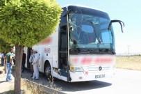 HACI BAYRAM - Sivas'ta Yolcu Otobüsü İle Traktör Çarpıştı Açıklaması 4 Yaralı