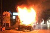 SERVİS OTOBÜSÜ - İşçi dolu servis alev alev yandı