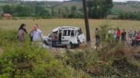 CANER YıLDıZ - Civcivi Ezmemek İçin Kaza Yaptı Açıklaması 3'Ü Çocuk 8 Yaralı