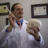 Migren Tedavisinde Cerrahi Yöntem Açıklaması Mikro-Endoskopik Cerrahi