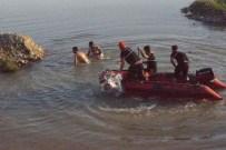 MEDİKAL KURTARMA - Nehre Düşen Çocuğun Cesedi Bulundu