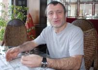 MOTOSİKLET KAZASI - Ünlü Oyuncu Motosiklet Kurbanı Oldu