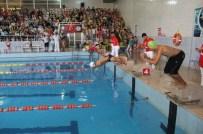 ENGELLİ ÇOCUK - Yüzerek Engellileri Aştılar