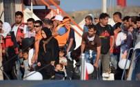 İzmir'de 54 Göçmen...