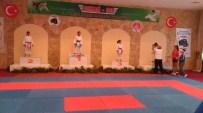 ALTıNOK ÖZ - Kartallı Minik Karateci Armina Erkan Madalyaya Doymuyor