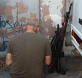 DEDE KORKUT - Silahlarını Sokağa Bırakıp Kaçtılar