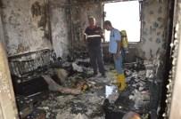 EVDE TEK BAŞINA - Besni'de Psikolojik Sorunları Olan Kişi Yaşadığı Evi Yaktı