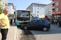 YıLMAZ KAYA - Otomobil Halk Otobüsü İle Çarpıştı Açıklaması 10 Yaralı