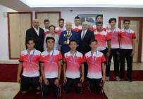YÜKSEL KARADAĞ - Şampiyon Öğrenciler Yenimahalle'de