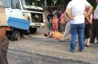 İŞÇİ SERVİSİ - Bartın'da Minibüs Pat Pat İle Çarpıştı Açıklaması 1 Yaralı
