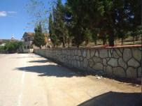 Şirinsulhiye'de Mezarlık Duvarı Çalışması Yapıldı