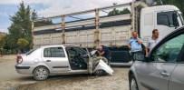 HATALI DÖNÜŞ - Bursa'da Yaşanan Kazada 4 Polis Yaralandı