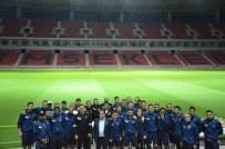 BEĞENDIK - Futbolcular Yeni Evlerine İlk Adımı Attı