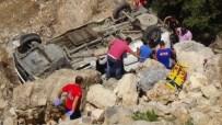 MİNİBÜS KAZASI - Hatay'da katliam gibi kaza: 8 ölü