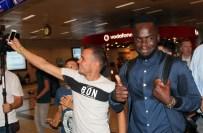 EDINBURGH - Galatasaray'ın Yeni Transferi İstanbul'a Geldi
