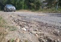ALI KABAN - Hasbeyler Köyü'ne Ulaşım Güçlükle Sağlanıyor