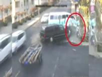 YOLCU MİNİBÜSÜ - Minibüsün altında kalmaktan son anda kurtuldu