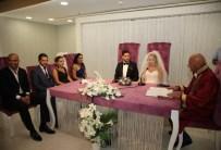 ALTıNOK ÖZ - Başkan Altınok Öz Genç Çiftlerin Nikahını Kıydı