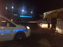 İZMIR ADLI TıP KURUMU - Kurban pazarında silahlı kavga: 3 ölü, 3 yaralı
