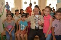 TİYATRO OYUNU - Miniklerden Başkan Özakcan'a 'Dünya'nın En İyi Başkanı' Ödülü