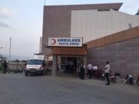 RAMAZAN YıLDıRıM - Romanlar Arasında Silahlı Kavga Açıklaması 2 Ölü, 1'İ Polis 3 Yaralı